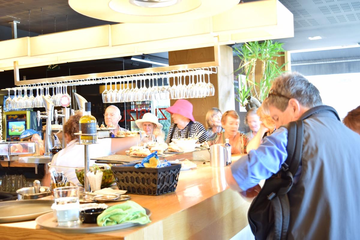bar restaurante zubizuri